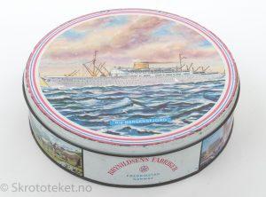 Den Norske Amerikalinje – MS Bergensfjord – Kakeboks fra Brynhildsens Fabrikker i Fredrikstad (Rund)