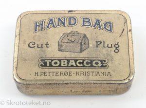 H. Petterøe, Kristiania – Handbag Cut Plug