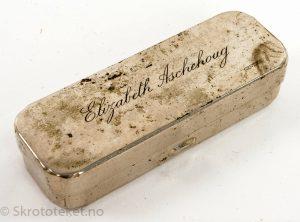 Glass-sprøyte som har tilhørt Elizabeth Aschehoug