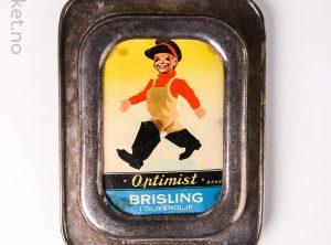 Serveringsfat og boks med Optimist Brisling i Olivenolje
