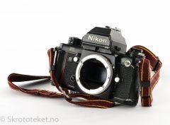 Nikon F3 P (1983) med DE-5 søker