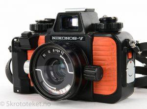 Nikonos V (1983) med 35mm f2.5