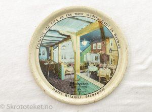 Serveringsbrett fra Hotel Atlantic Stavanger – Restauranten Mortepumpen (2)