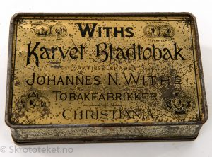 Withs Karvet Bladtobak fra Johannes N. With's Tobaksfabrikker, Christiania (2)