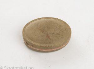 Oval dåse i papp fra 1920-tallet