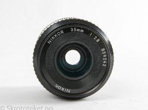 Nikon 35mm f2.8 Nikkor (Ai) (1977) – Serienr.: 859242