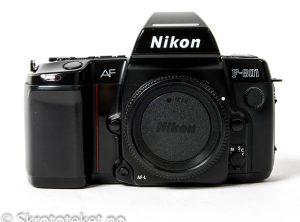 Nikon F-801 (1988)