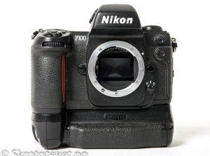 Nikon F100 med MB-15 (1999)