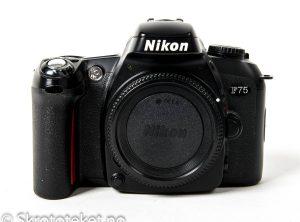 Nikon F75 (2003)