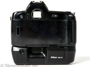 Nikon F90 med MB-10 (1992-2001)