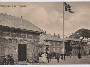 Finse jernbanestasjon og Fjeldstua (1911)