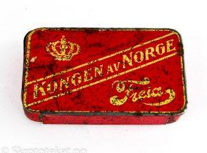 Kongen av Norge, Freia (med skyvelokk) (2)