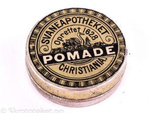 POMADE fra Svaneapotheket i Christiania (1890-tallet)