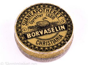 BORVASELIN fra Svaneapotheket i Christiania (1890-tallet)