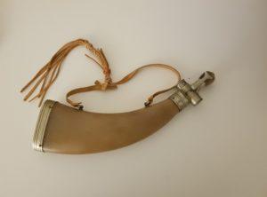 Franskt krutthorn fra BOCHE I EUR, A PARIS